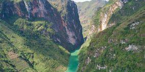 Sông núi nước Nam (Nam quốc sơn hà) - Lý Thường Kiệt