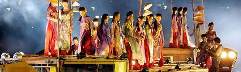 Ca Huế trên sông Hương - Hà Ánh Minh