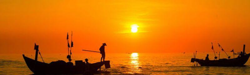 Đoàn thuyền đánh cá - Huy Cận